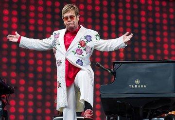 Elton John'un ev sahipliğinde milyon dolarlık bağış!
