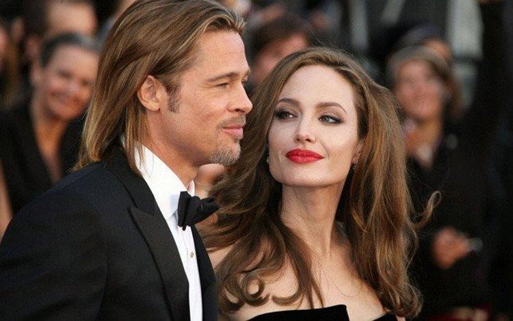 Angelina Jolie boşanmaktan vaz mı geçti?