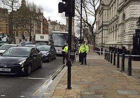 İngiltere'de 6 eve baskın! Theresa May, saldırıyı 'hasta ve ahlaksız' olarak nitelendirdi