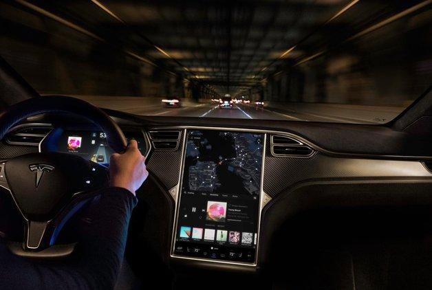 Tesla o çalışanına dava açtı