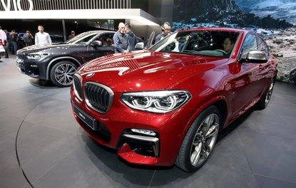 BMW X4 Cenevre sahnesinde