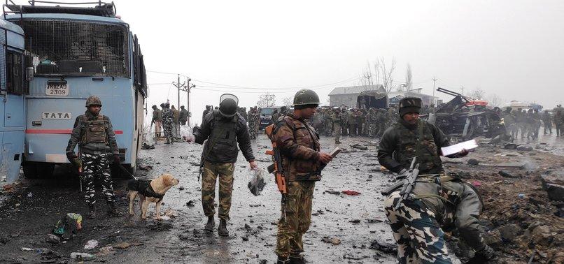 CAR BOMBING IN KASHMIR KILLS INDIAN TROOPS