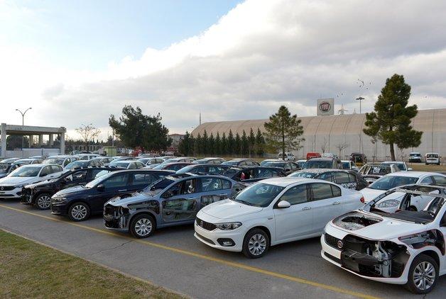 Türk otomotiv devi, 56 araç hibe ediyor