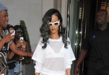 Rihanna, market alışverişinde