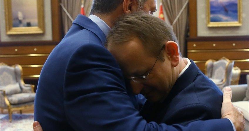 15 Temmuz gazisiyle Erdoğan'ın kucaklaştığı an