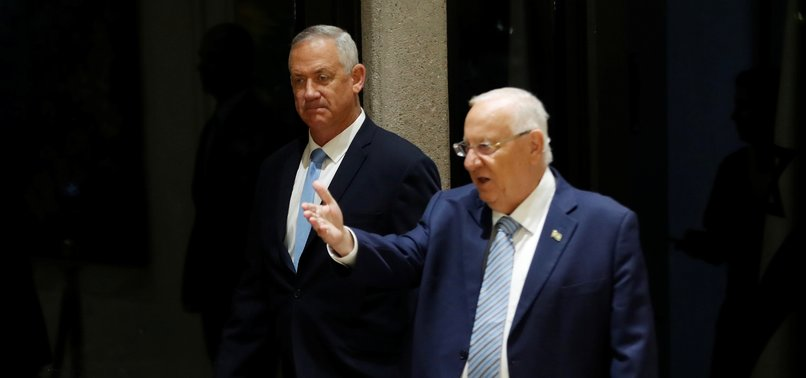 NETANYAHU RIVAL GANTZ RECEIVES MANDATE TO TRY TO FORM ISRAELI GOVERNMENT