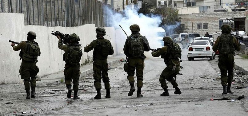 PALESTINIANS HURT IN W. BANK CLASHES WITH ISRAELI ARMY