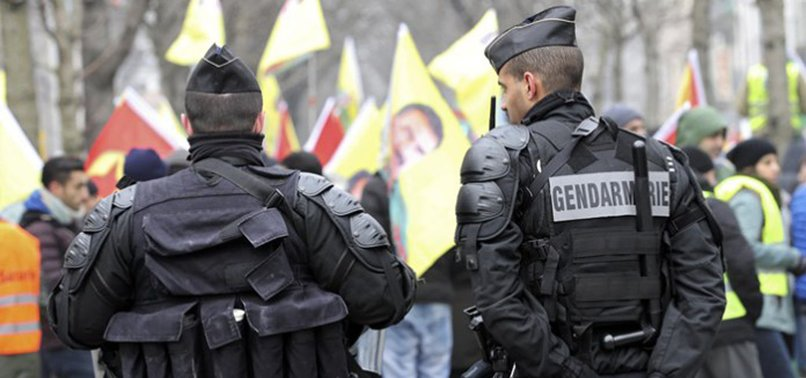 PKK TERROR SYMPATHIZERS PUSHED BACK BY FRENCH POLICE