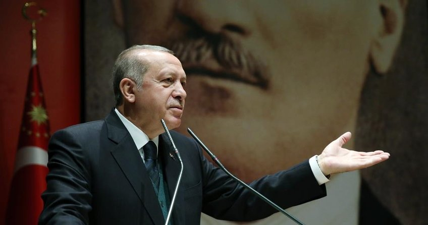 Erdoğandan Macrona: Haddini ve boyunu aşan beyan
