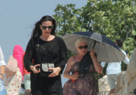 Liv Tyler Efes Antik Kenti'ni ziyaret etti