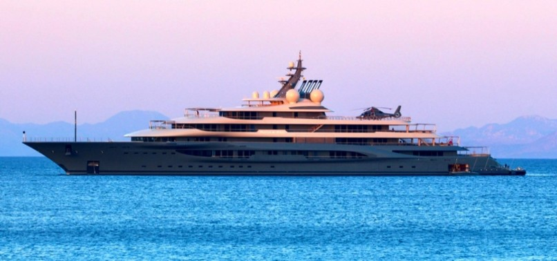 World S Richest Person Jeff Bezos S Mega Yacht Flying Fox Anchors In