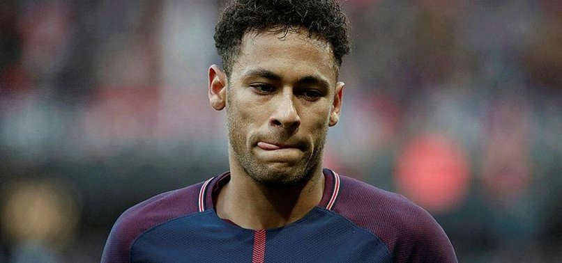 NEYMAR SAYS WILL BE BACK IN A MONTH AFTER FOOT INJURY