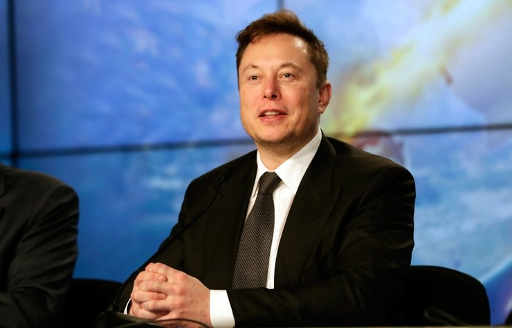 Elon Musk sosyal medya orucunu Amazon'un CEO'su Jeff Bezos ile bozdu