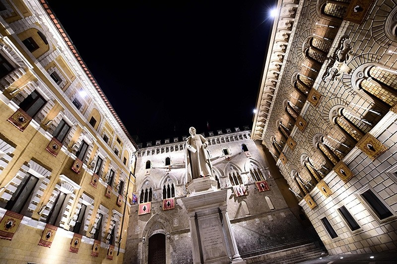 This file photo taken on July 02, 2016 shows the headquarters of Italian bank Monte Dei Paschi di Siena at Piazza Salimbeni in Siena, Tuscany. (AFP Photo)