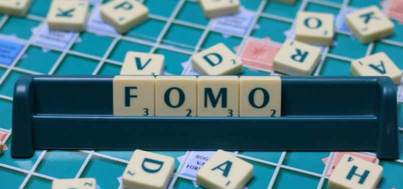 FOMO CAN LEAD TO SLEEP ISSUES, STRESS: HERES HOW TO CURTAIL IT