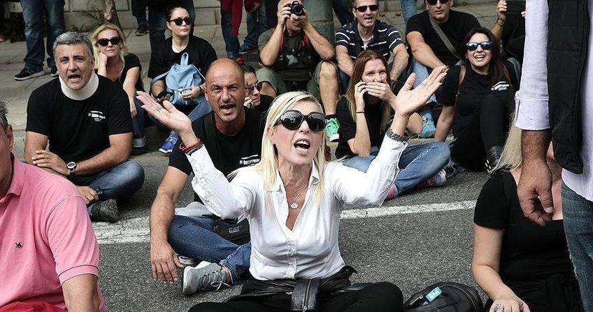 Yunanistan'da basın mensuplarından protesto