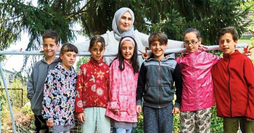 Sekiz çocuklu annelik uzmanı