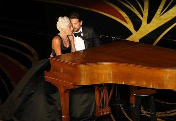 Lady Gaga ve Bradley Cooper'ın Oscar performansı
