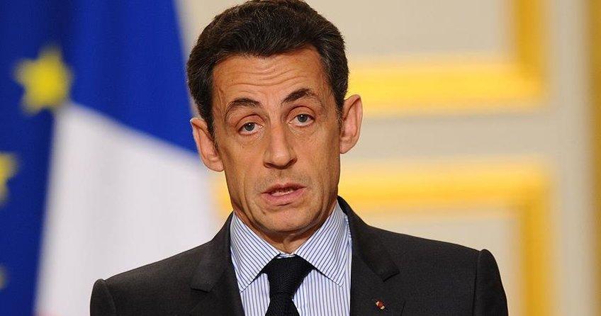 Fransanın eski Cumhurbaşkanı Nicolas Sarkozy gözaltına alındı