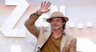 Brad Pitt Meksika galasında tek başına