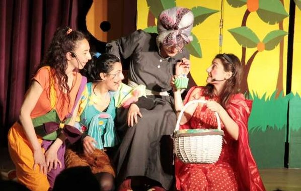 Kırmızı Başlıklı Kız – Ücretsiz Çocuk Tiyatroları