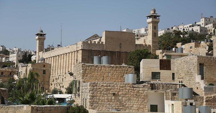 İsrail, İbrahim Camisinde ezanı engelledi