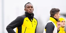 Usain Bolt trains with Borussia Dortmund players