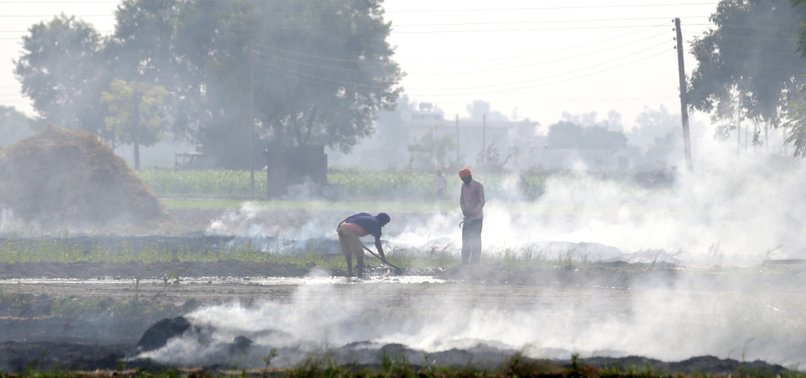 NEW DELHIS AIR QUALITY DETERIORATES TO UNHEALTHY