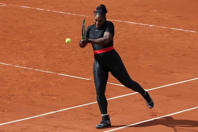 Serena Williams'tan pelerinli tepki