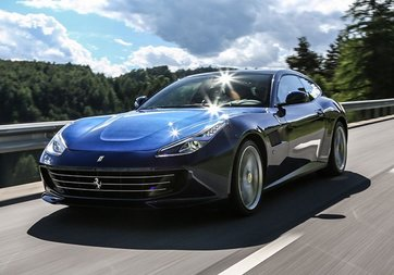 Ferrari GTC4Lusso, en güzel otomobil seçildi