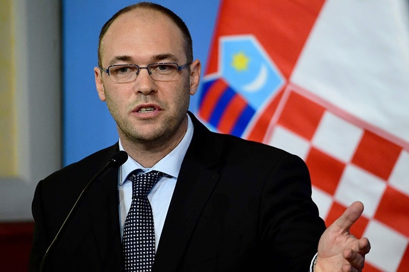 Croatian deputy prime minster, foreign minster and EU minister Davor Ivo Stier attends a press conference on November 22, 2016. (AFP Photo)