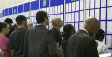 New US jobless claims rise to 742,000, reversing decline