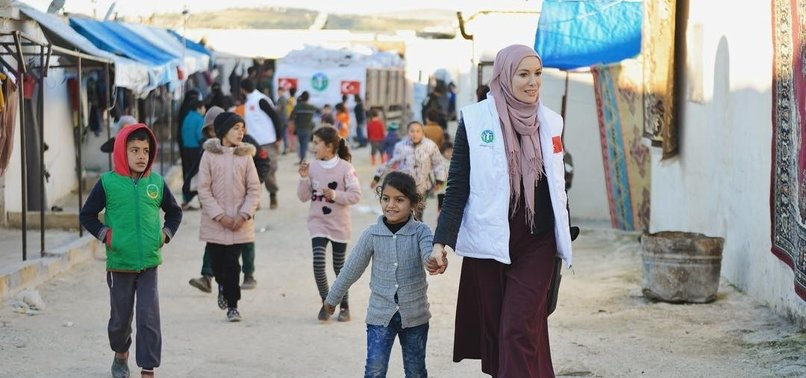TURKISH ACTRESS VISITS SYRIAN REFUGEE CHILDREN IN IDLIB