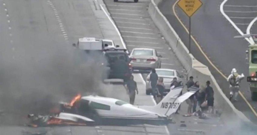 Kaliforniya'da uçak düştü
