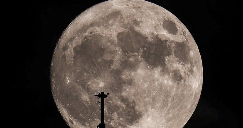 Yüzyılın Süper Ay'ı saat kaçta gözükecek?