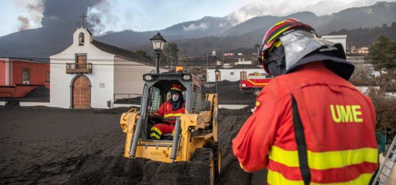 VOLCANO LAVA FORCES MORE EVACUATIONS IN SPAINS LA PALMA