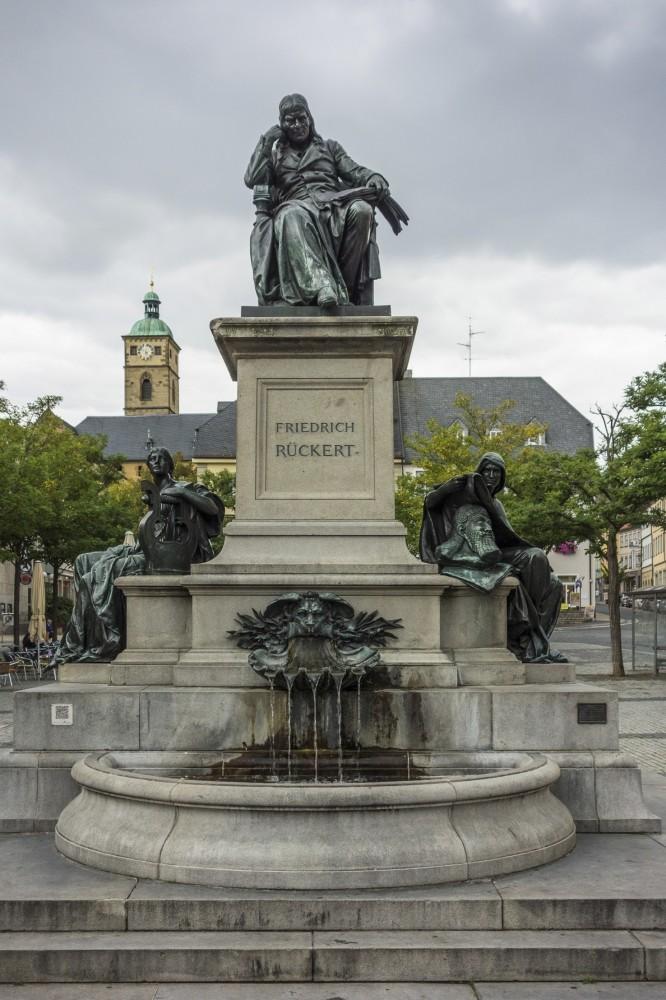 Ru00fcckert Monument in Schweinfurt.
