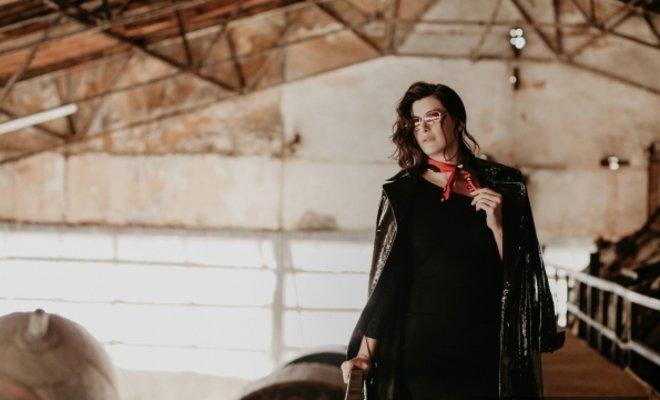 Pınar Soykandan yepyeni bir single 'Yıkılmam'