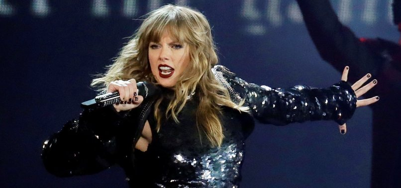 TAYLOR SWIFT NOT ALLOWED TO PERFORM AT AWARDS AMID MUSIC ROW