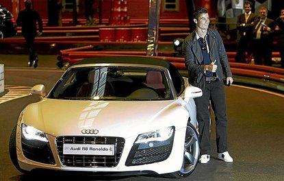 Cristiano Ronaldo'nun süper hızlı otomobilleri