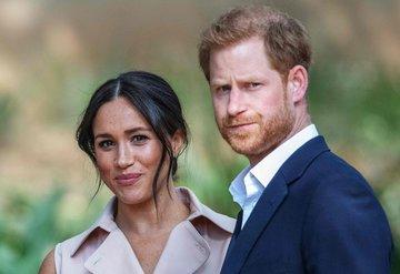 Prens Harry ve Meghan Markle, İngiltere Kraliyet ailesindeki görevlerini bıraktı