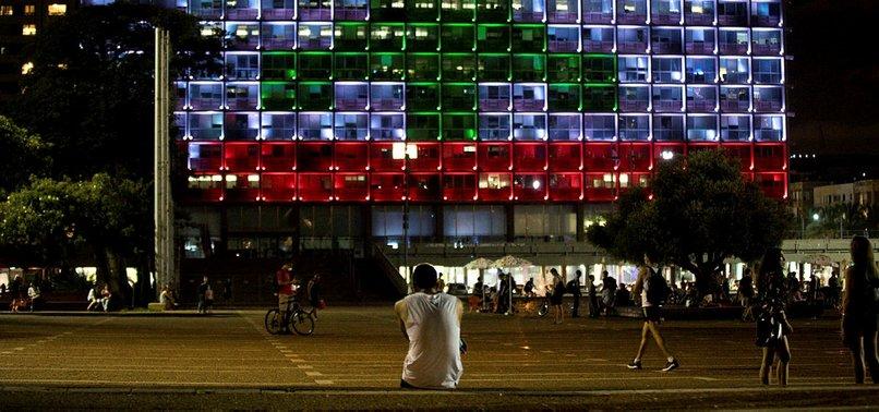 TEL AVIV LIGHTS UP CITY HALL WITH LEBANON FLAG