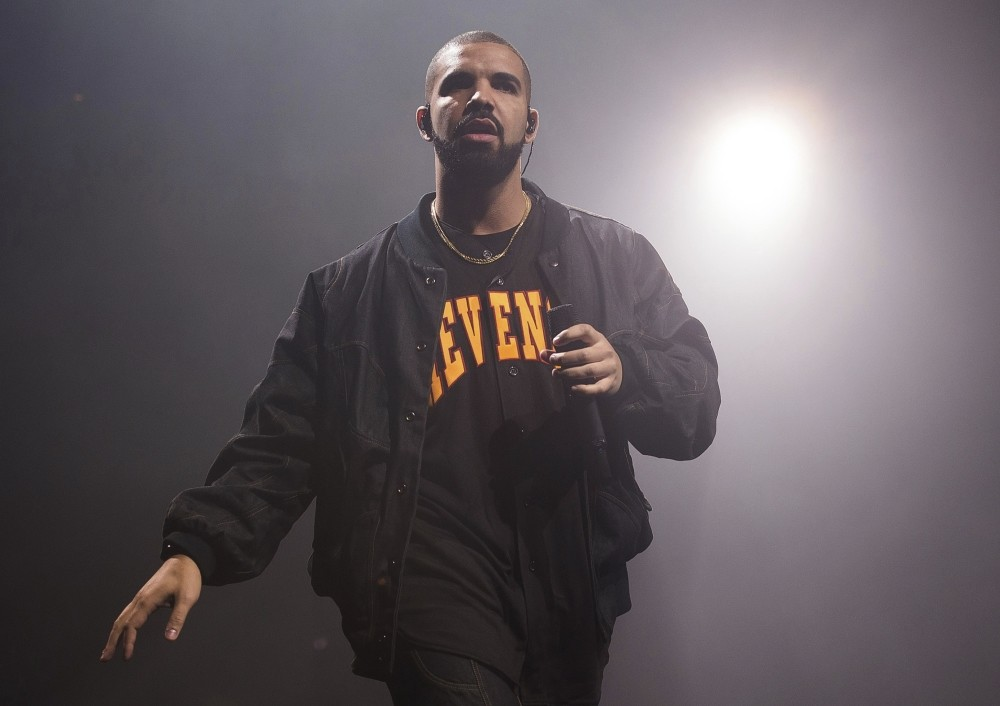 Canadian rapper Drakeu2019s u201cViewsu201d was by far the top album of 2016 when factoring in streaming, although British balladeer Adeleu2019s u201c25u201d edged it out when looking only at direct sales.