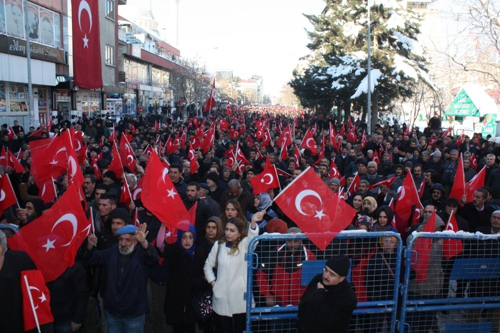 Thousands poured into the streets in Bingu00f6l to denounce the terror attacks blamed on the PKK.