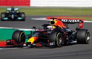 Formula 1de ilk sprinti Verstappen kazandı