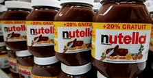 German MPs show Nutella 'red card' over World Cup giveaway