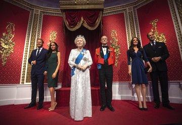 Prens Harry ve Meghan Markleın heykelleri kaldırıldı