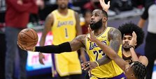 LeBron scores 46, Lakers beat Cavs to stay perfect on road