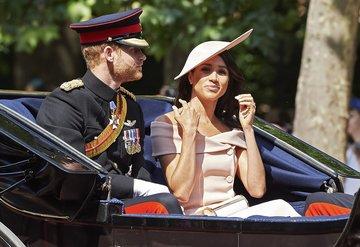 Prens Harry ile Meghan Markledan yeni hayır kurumu!