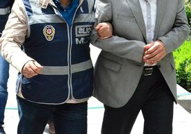 İzmir ve Ankara'da FETÖ'den aranan avukat yakalandı